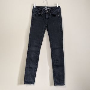 American Eagle   low rise black denim skinny jeans